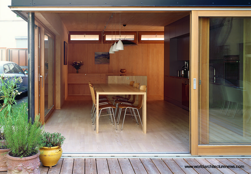Arquitectura de casas prefabricada de madera construida for Interiores de casas prefabricadas