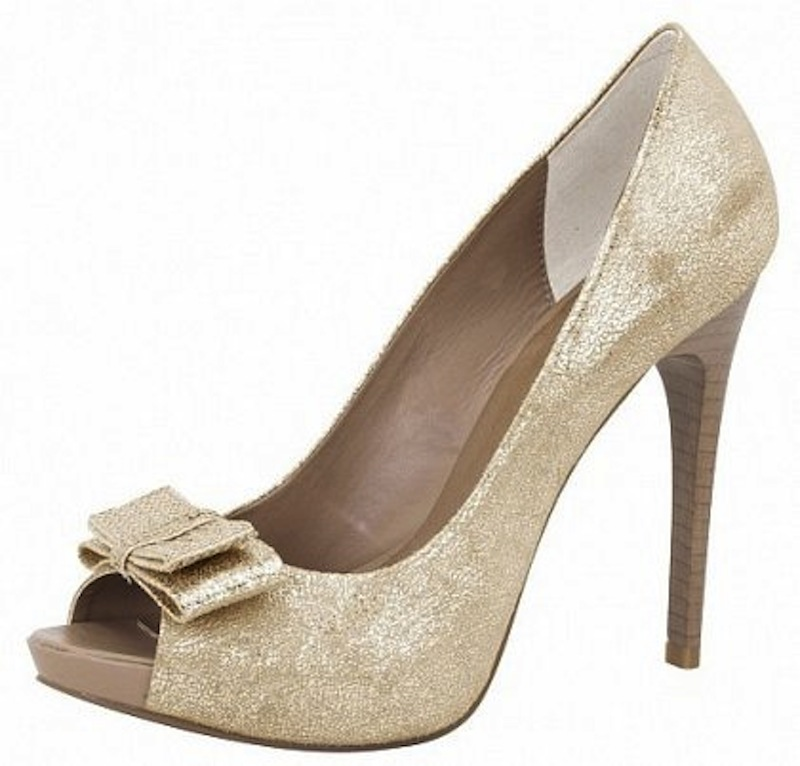 scarpe dorate