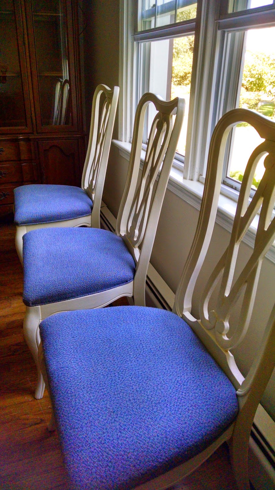 1950s Dining Room Furniture What39s Going On How To Paint 195039s Solid Wood Dining Room Chairs