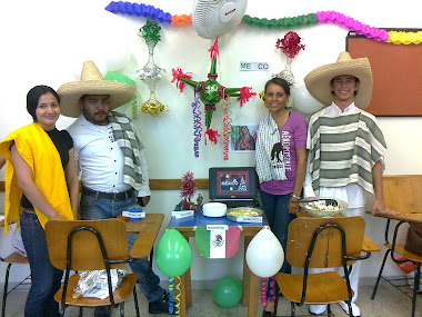 CHRISTMAS (Mexican stand)