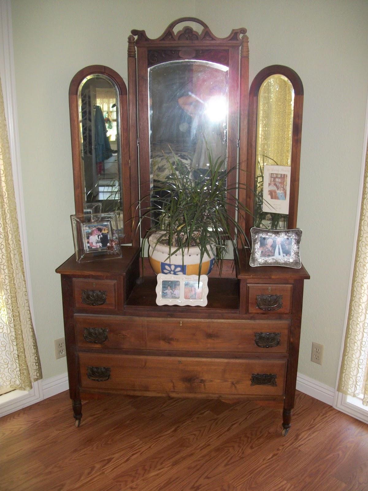 vintage 3 mirror vanity trifold vanity transformation a makeover to see.  vintage 3 mirror vanity ... - Vintage 3 Mirror Vanity - 28 Images - San Diego Real Estate