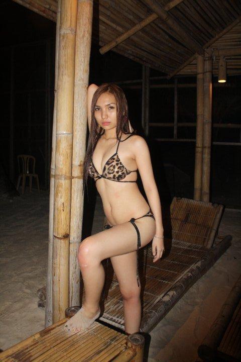 anicka lyka yu sexy bikini photos 01