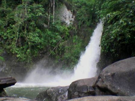 wisata banjarmasin: 5 Tempat Wisata Terkenal Di Kalimantan