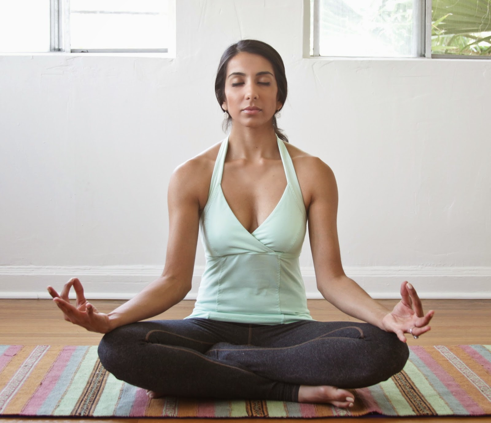 Home yoga from scratch: 16 poses for beginners 42
