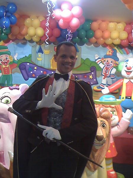 Festa de Aniversário com o nosso mágico clássico, muito bom o seu show!