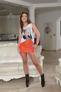 twerking girl - sexygirl-Julie_SKGH_200522-016-712644.jpg