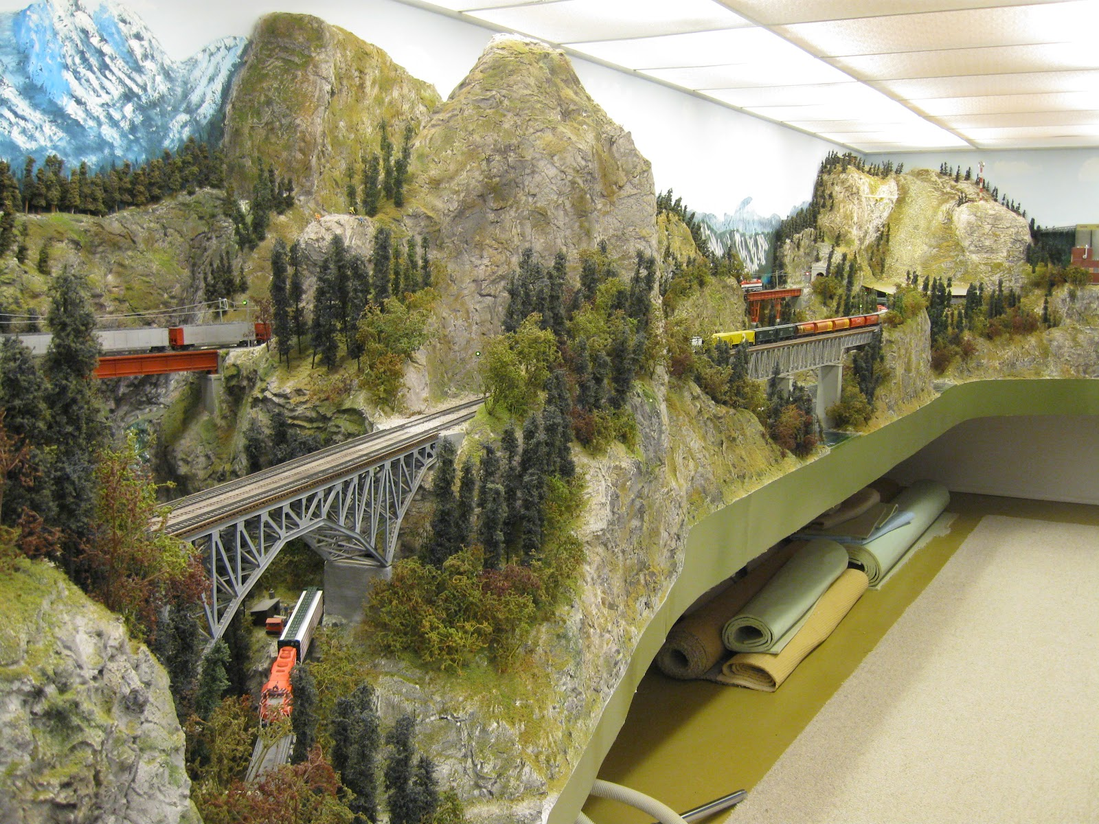 Model train scenery mountains and ground