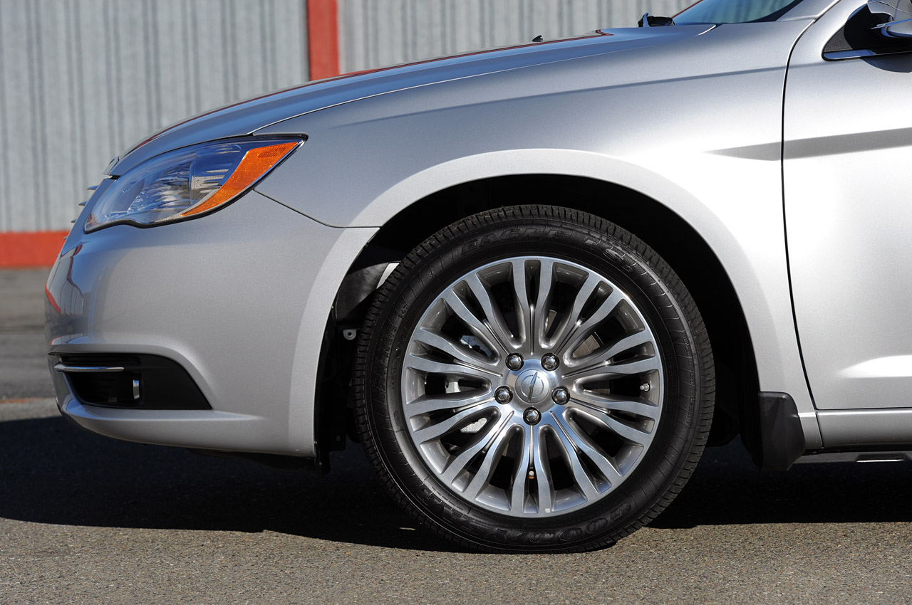 2014 Chrysler 200 to set design tone for brand