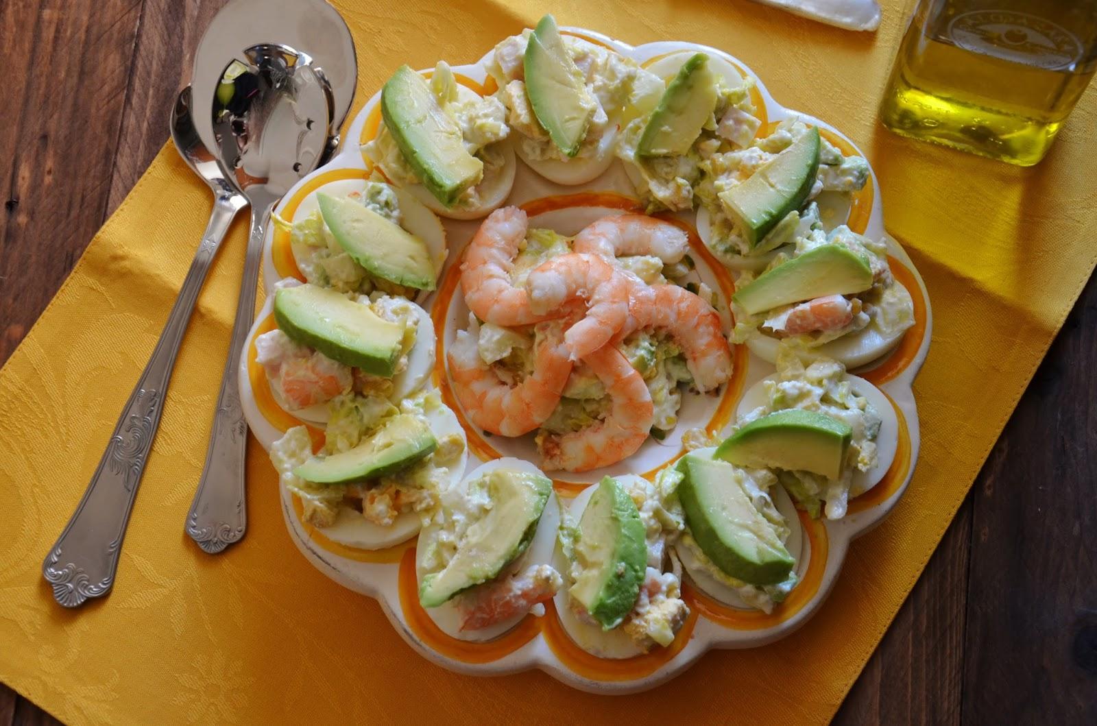 Huevos Rellenos De Ensaladilla De Aguacate Y Langostinos  ~ Coctel De Aguacate Y Langostinos