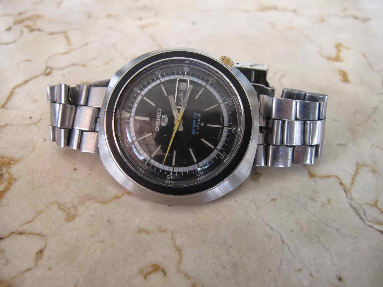 Kondisi vintage Seiko 5 Sports Akurasi jam bagus dan tepat waktu Cocok untuk Anda yang sedang mencari jam tangan vintage JDM