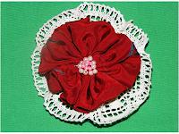 brosa handmade realizata manual cadou