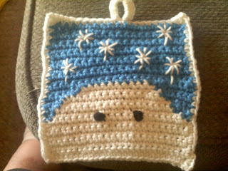 Shades of Safhire - Snowman Pot Holder (have to add the nose yet)