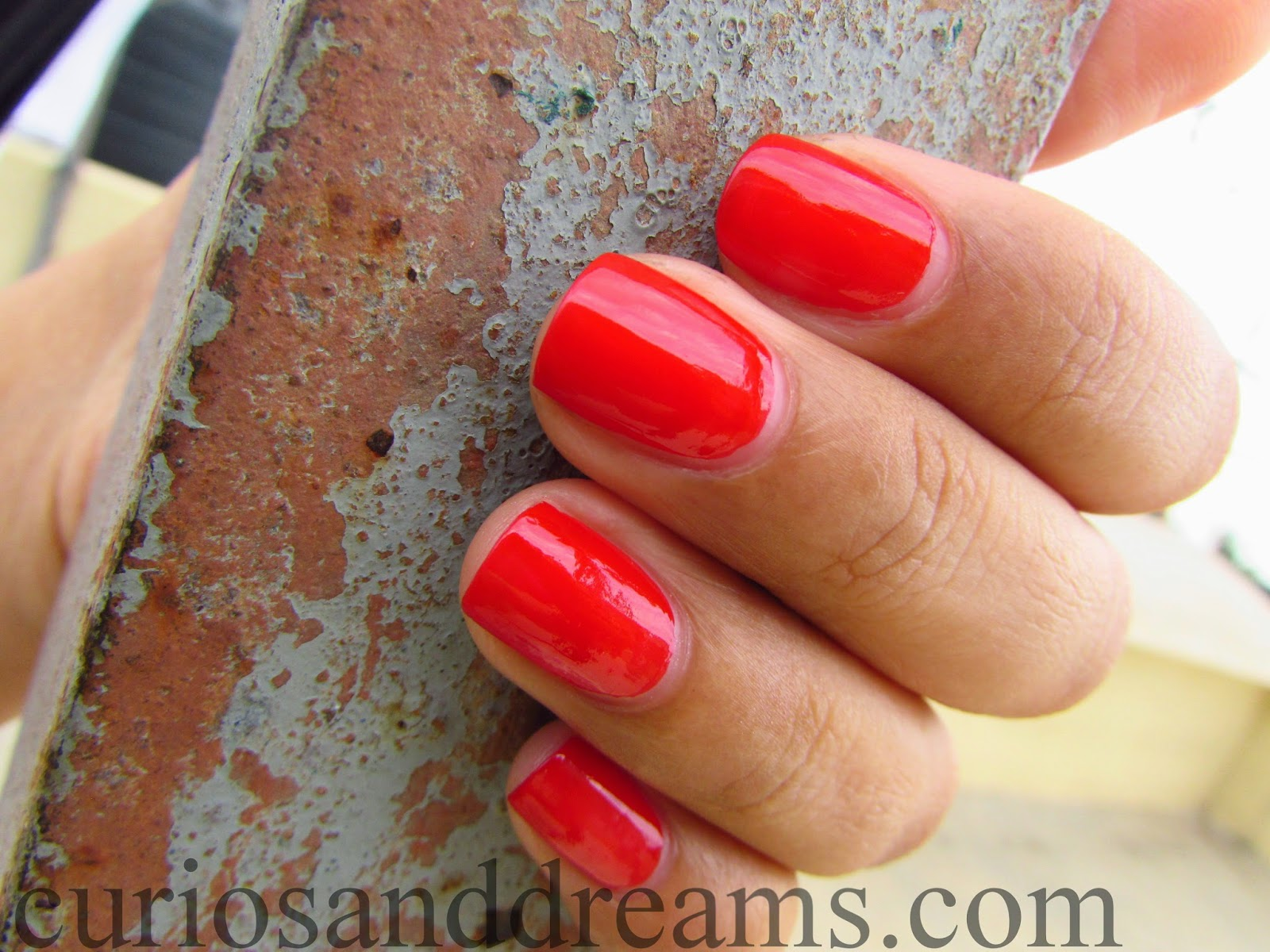 Lakme Absolute Gel Stylist Nail Polish Tomato Tango Review