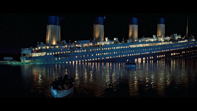 Tàu Titanic đang chìm