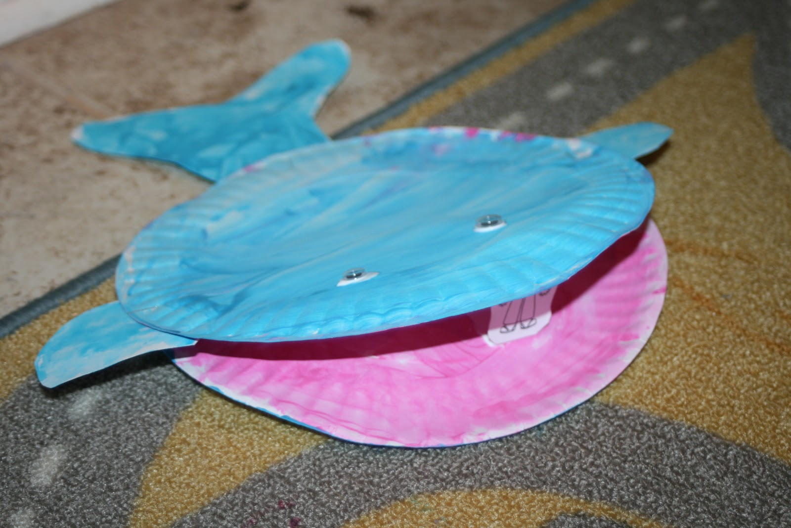how to make a blue whale craft