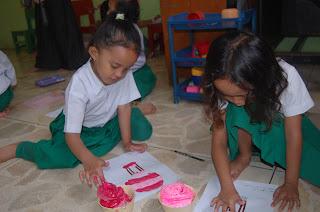 Kreativitas dunia anak | pgtk darunnajah