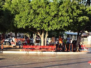 Academia popular em praça de Juazeiro do Norte.