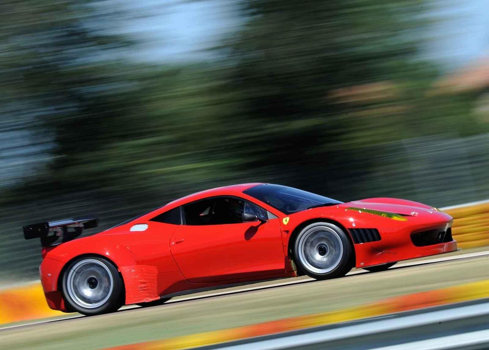 http://4.bp.blogspot.com/-9FH-u_7o3vk/T_gaoPzPF6I/AAAAAAAABQ4/xeAMmg4Y-Lk/s1600/Ferrari-458-Italia-Grand-Am.jpg