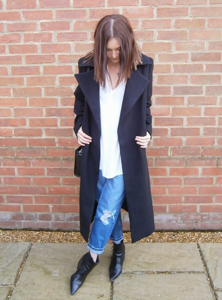 baggy ripped jeans fashion blogger