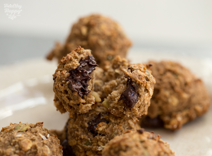 Oat-Date-Chocolate Vegan Snack Cookies
