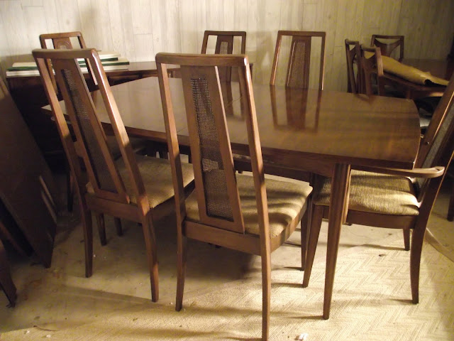 Broyhill Dining Room Sets