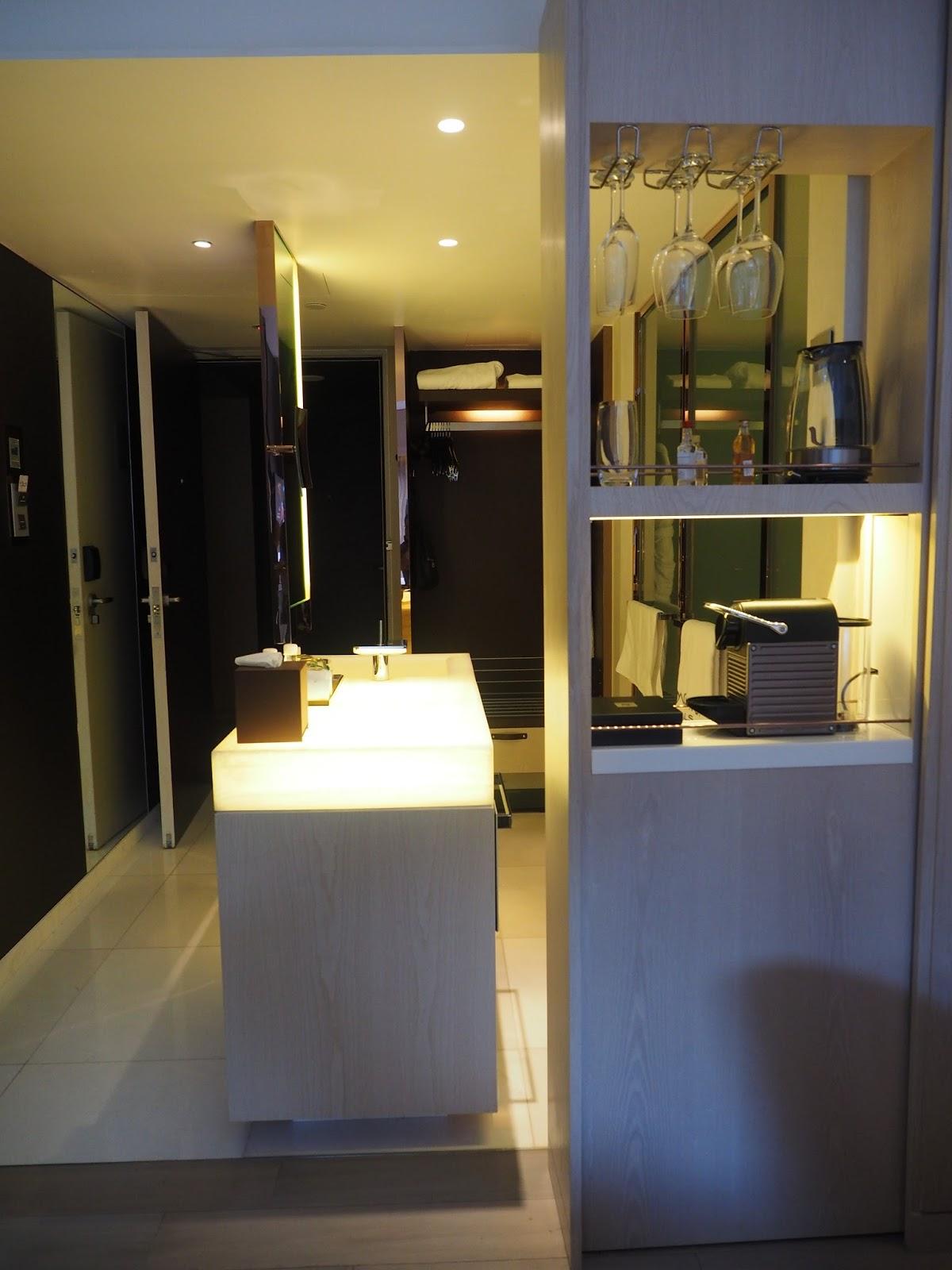 naumi hotel boutique singapore room suite mini bar