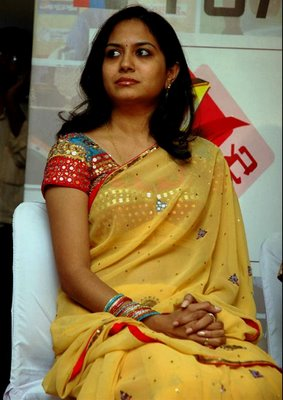 Desi Anti and Girls http://hott-beauty-pictures.blogspot.com/2011/09/desi-indian-aunty.html