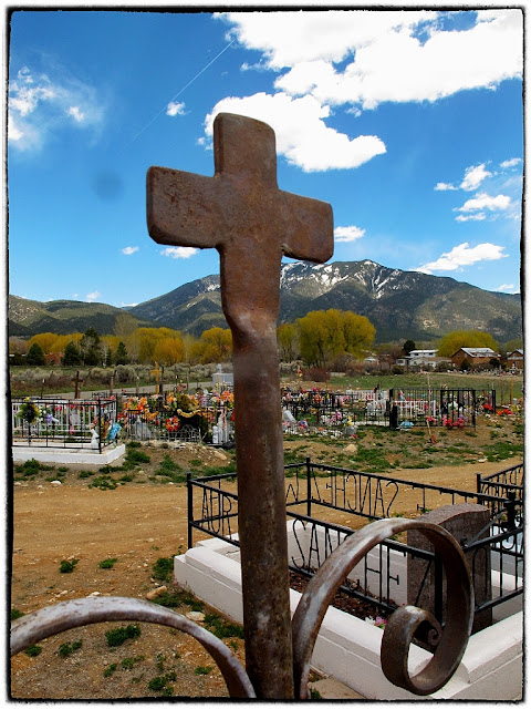 Graveyard, Taos