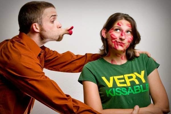 Funny Kiss Day Message