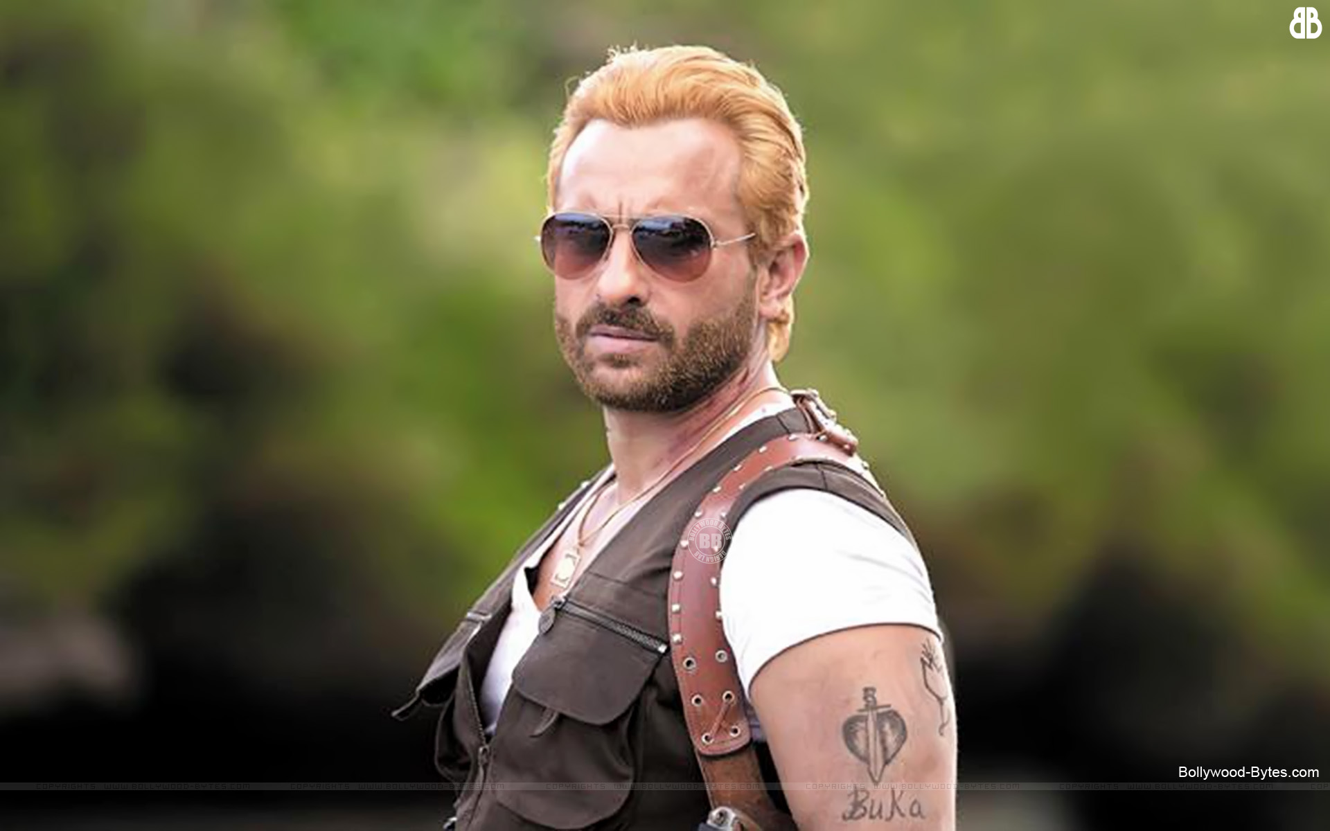 http://4.bp.blogspot.com/-9GJ49HIt0e8/UU4G-SpSbOI/AAAAAAAAcx0/ucP1tAxqBAg/s1920/Go-Goa-Gone-Hot-Saif-Ali-Khan-HD-Wallpaper-02.jpg