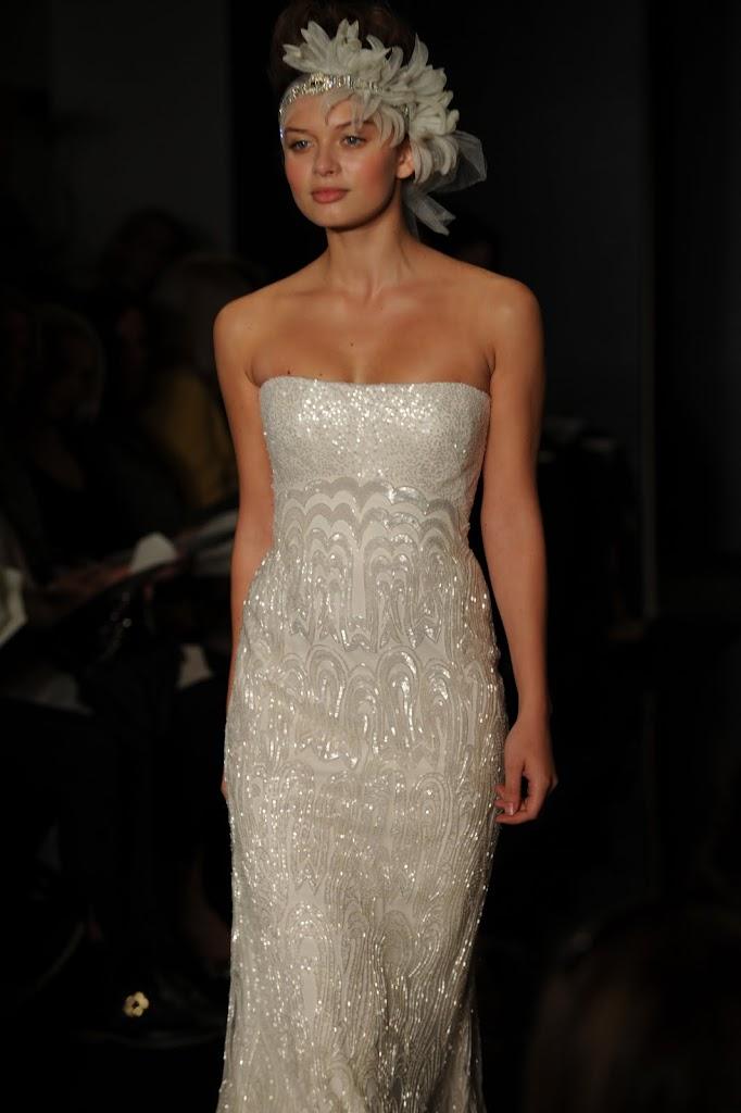 Reem_Acra_Wedding_Dress_Strapless