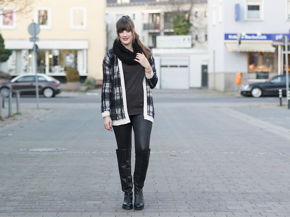 outfit furry cardigan overknee boots andysparkles. Black Bedroom Furniture Sets. Home Design Ideas
