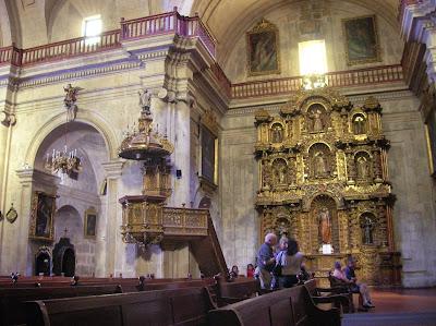 Iglesia de la Compañía de Jesús, Arequipa, Perú, La vuelta al mundo de Asun y Ricardo, round the world, mundoporlibre.com