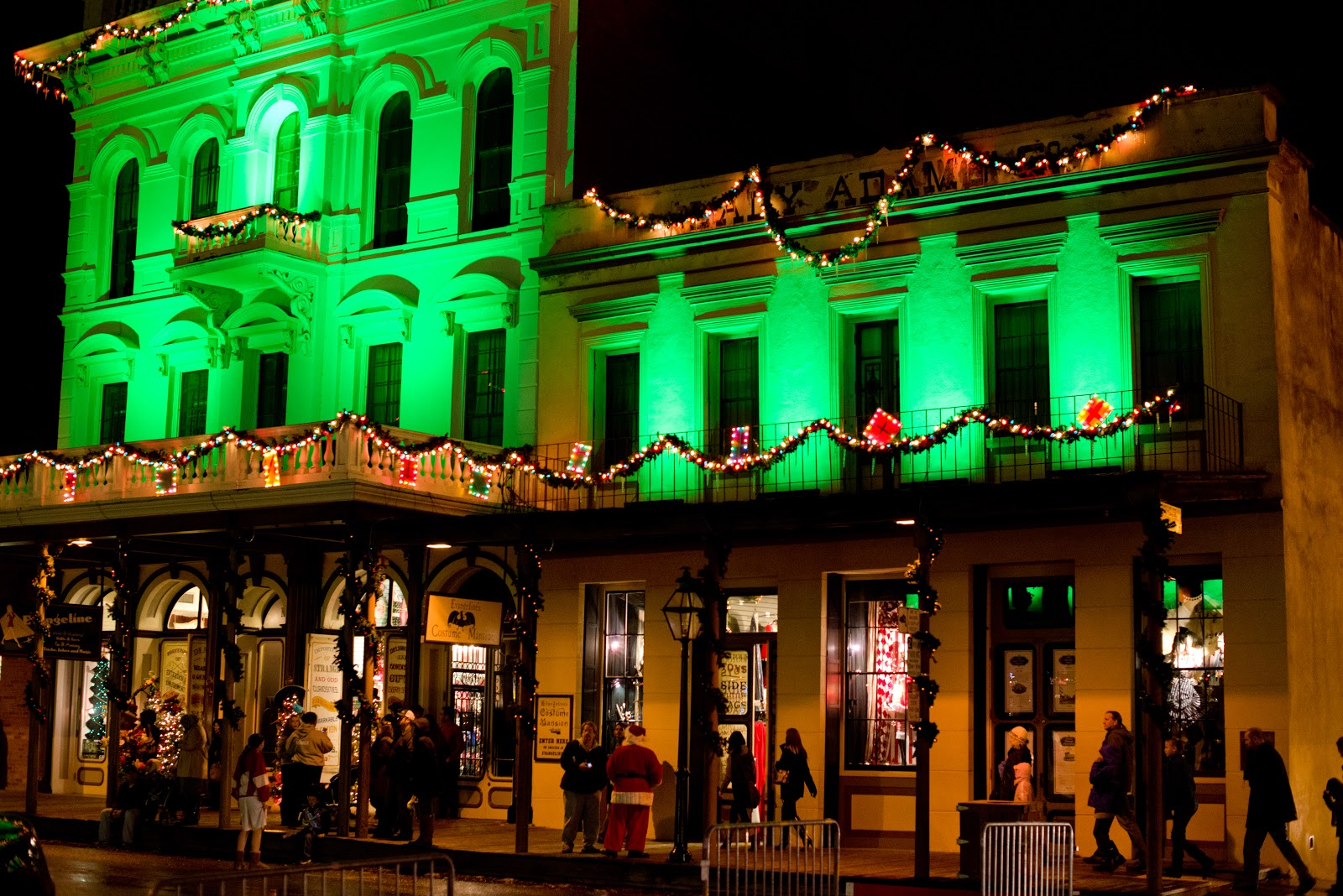 Domestic Fashionista: Christmas in Old Town Sacramento