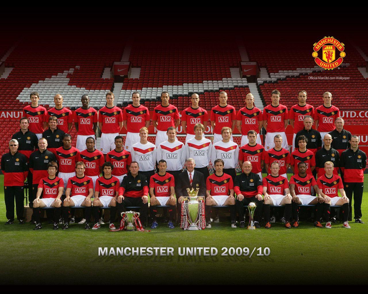 http://4.bp.blogspot.com/-9GZ6WroQYJM/TgTkpnrTe1I/AAAAAAAABBQ/funpBJUuFuQ/s1600/Manchester-United-Squad-Wallpaper-2009-2010.jpeg