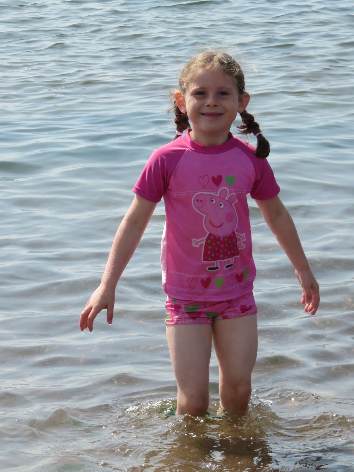 Loving Life with Little Ones: A day at the beach with Grandad