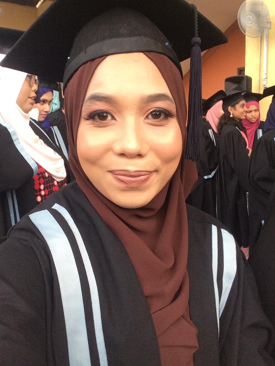 Dah Graduate weh