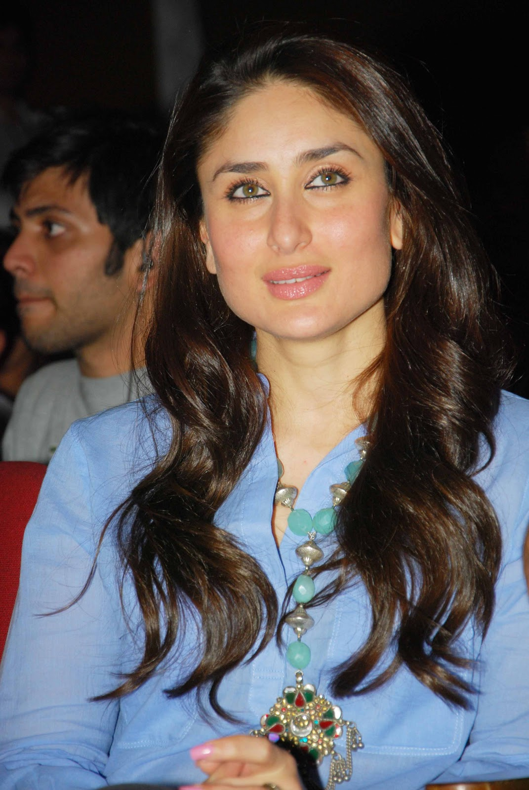 Kareena kapoor Looks Absolutely Gorgeous In Blue Top and Black Trouser At The National College Festival In Bandra, Mumbai