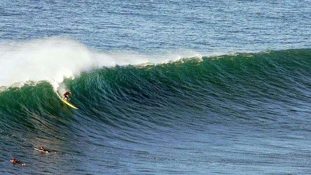 surfing menakoz 08