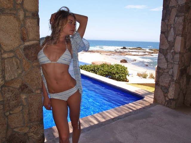 LeAnn Rimes - Sexy Bikini Photoshoot