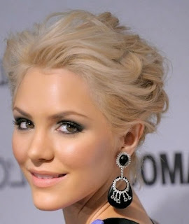 Short prom hairstyle