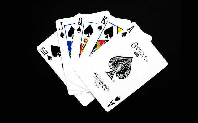 Game Cards on Black Background Black and White Wallpaper