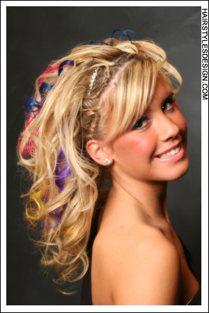 prom hairstyles down 2011. prom hairdos to the side.