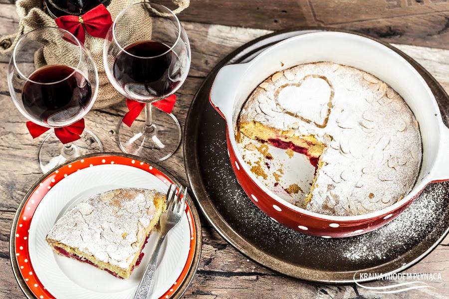 clafoutis, deser z francji, francuski deser, owoce w cieście, owoce zapiekane w cieście, owoce pod ciastem, ciasto z owocami, deser z owocami, ciasto z wiśniami, deser z wiśniami, wiśnie w cieście, kraina miodem płynąca, deser na walentynki, kolacja we dwoje, deser na kolację, przepis walentynkowy, kitchen aid, gotujmy.pl, konkurs,