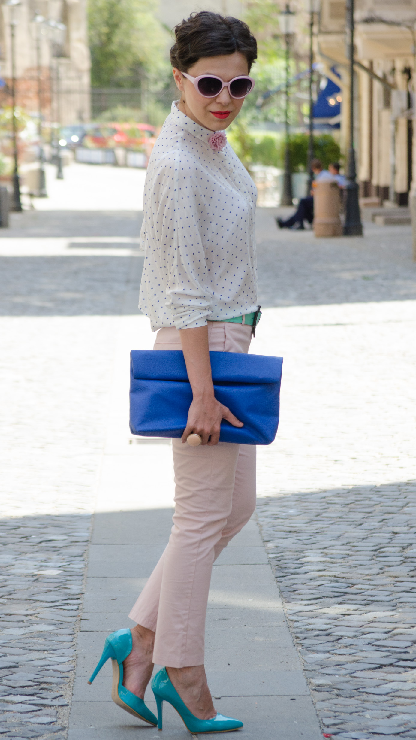 dotted shirt dusty pink pants minty heels belt blue bag zara new yorker summer