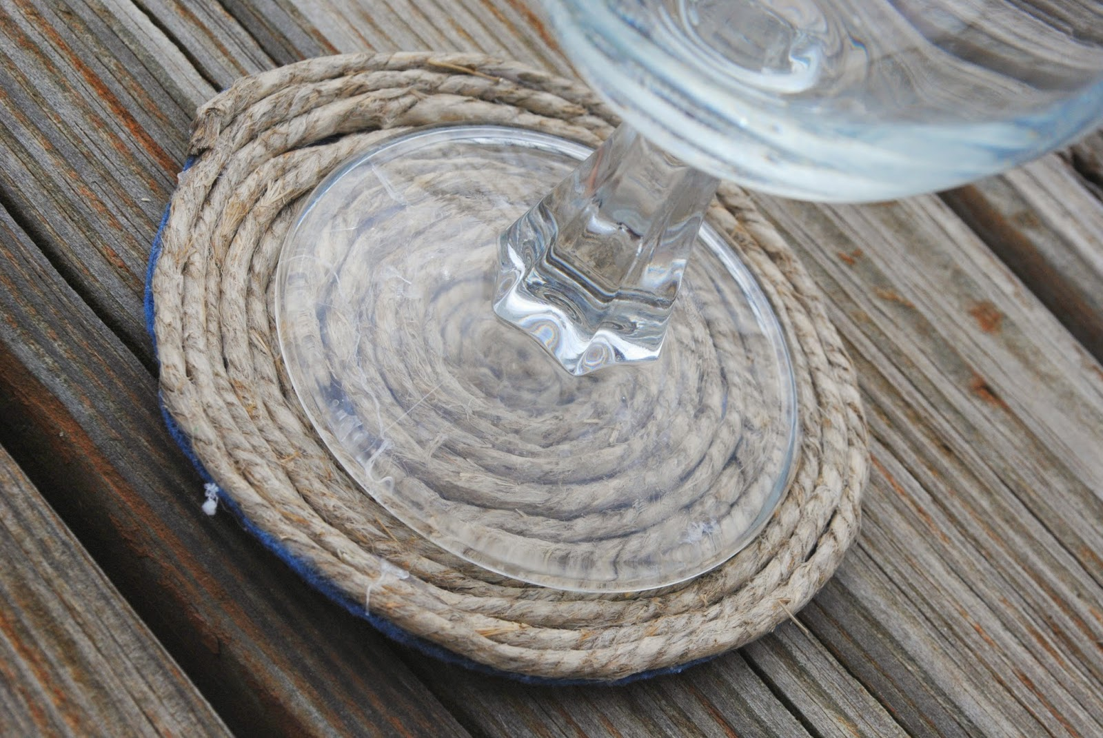 Glass on Nautical Rope Coaster
