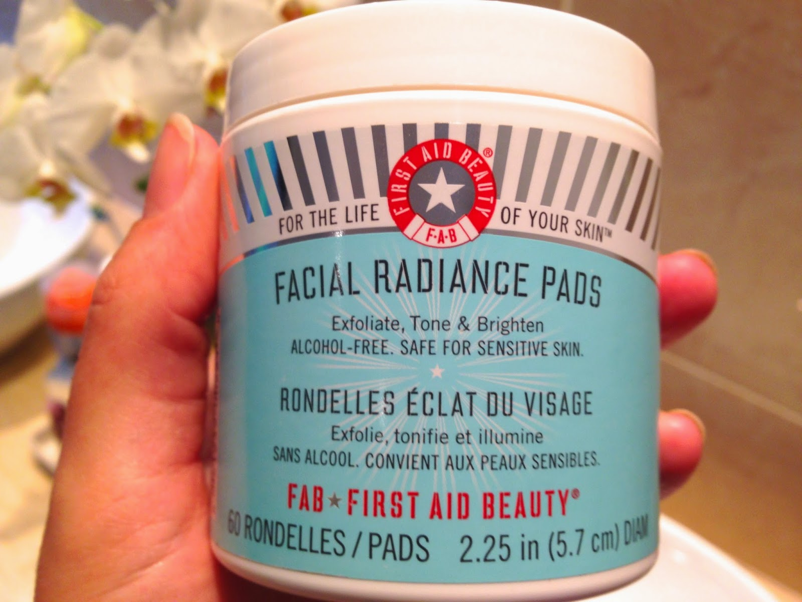 FAB-First-Aid-Beauty-Facial-Radiance-Pads-review