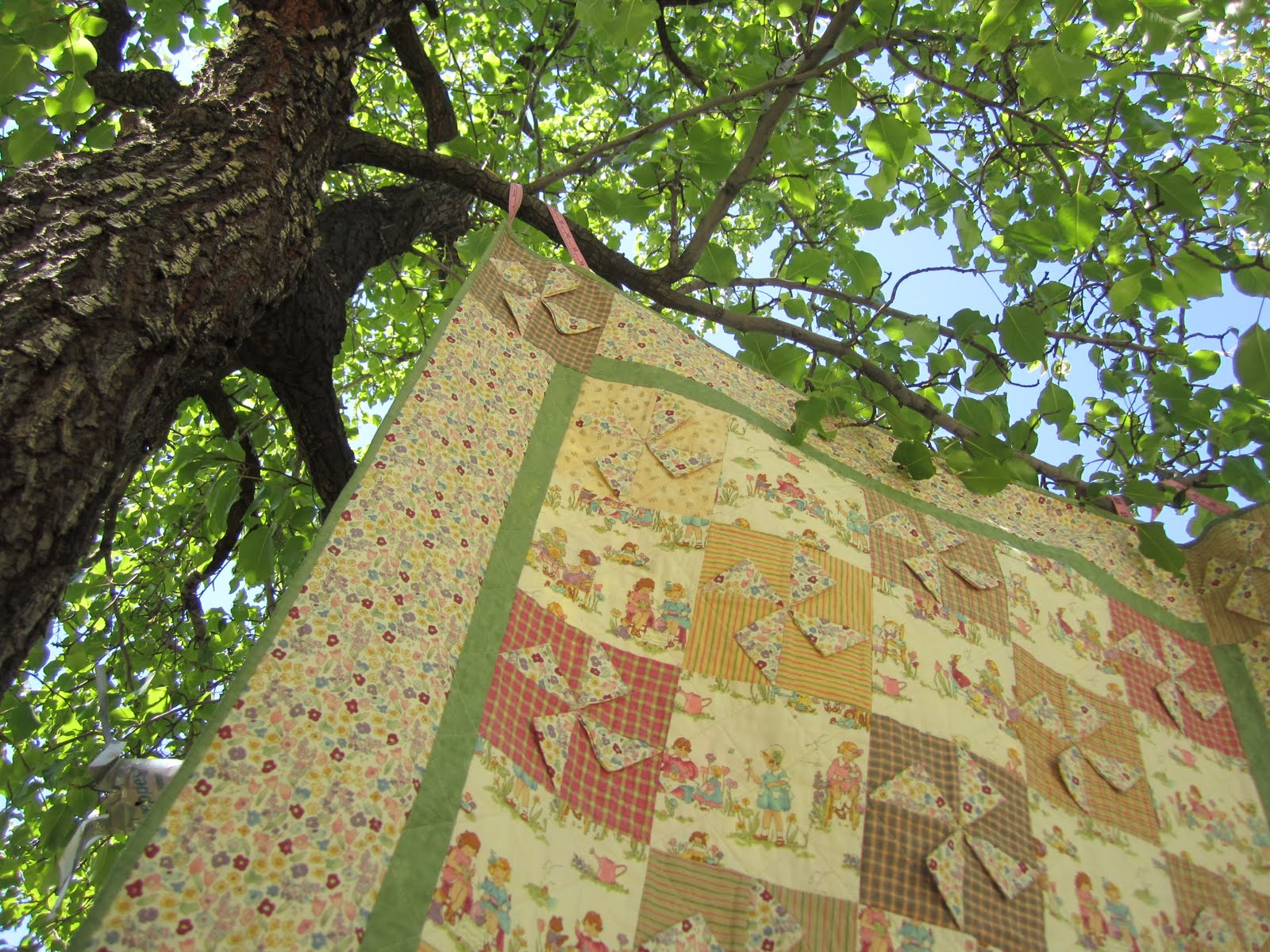 Garden Party Quilt {Sewing} - Wendy