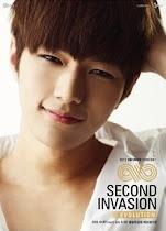 Kim MyungSoo (L)