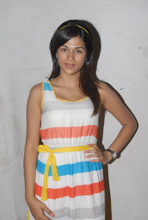 Shraddha Das Latest Hot Pics